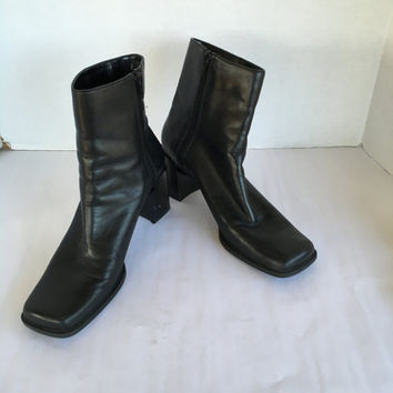 Chunky Heel black leather 80s 90s Vintage Zip Up Square Toe Ankle Boots Booties 8.5 M Women Bandolino