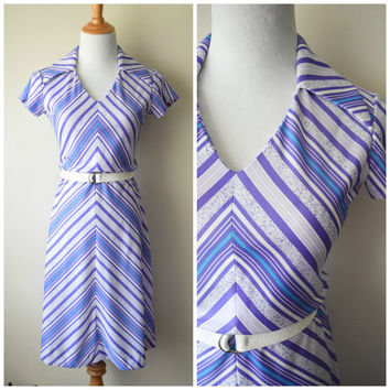 60s/70s Chevron Polyester Dress w Large Collar by Gay Gibson // Blue, Purple. White // Mod Disco Era Sundress, Chic Retro Hipster // Sz S
