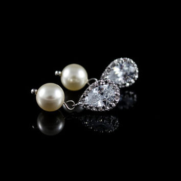 Pearl Earrings. White or Cream Swarovski Pearls. Drop Cubic Zirconia Earrings. Bridal Jewelry. Bridesmaid Gift. Sterling Silver Posts.