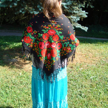 Vintage Ukrainian Shawl - Authentic Floral wool scarf - also known as Russian Shawl