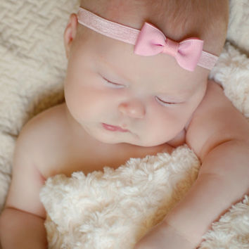 PINK Bow Headband. Small Pink Hair Bow Headband. Baby Hair Accessories. Baby Girls Hair Accessories. Pink Baby Headband. Baby Bow Headband
