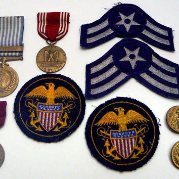 Military Memorabilia Patches Medallion 10 Pc Assortment Air Force Star United States Navy Scovill Waterbury Button Pin on Ribbon Korea Honor