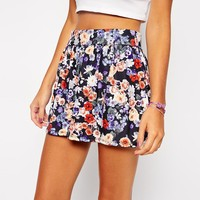 ASOS PETITE Exclusive Cullottes in Dark Floral Print - Floral