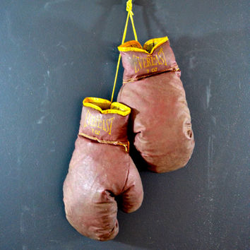 Vintage Everlast Boxing Gloves, 7 oz Gloves, Lace Up Gloves, Red and Yellow Everlast Gloves, Youth Boxing, Sports Memorabilia