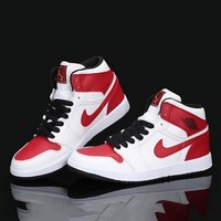 PEAP Nike Air Jordan Retro 1 High Tops Contrast Sports shoes White Red Red hook G-CSXY