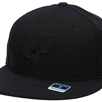 Reebok San Antonio Spurs Fitted Hat Style: HAT241-BLACK Size: 7 3/4