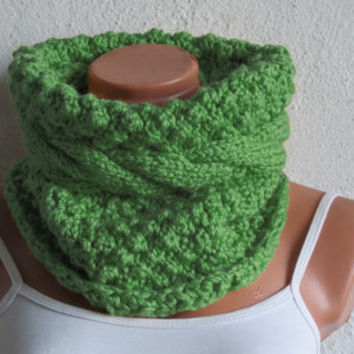 Chunky Cable Knit Cowl Scarf, Cozy Scarf Beige, Cable Knit Neck Warmer, Green SCARVES, Winter Accessory Woman, Teens, Gift for Her