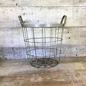 Metal Basket Wire Basket Silver Metal Wire Basket Rustic Basket Farmhouse Chic Kitchen Storage Basket Fruit Basket Centerpiece Base