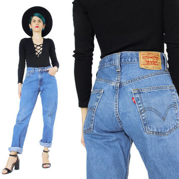 Vintage Levis 505 Jeans Womens Boyfriend Jeans Relaxed Tapered Leg Jeans Medium Wash Denim Minimal Grunge Mom Jeans Casual Regular Fit (S/M)