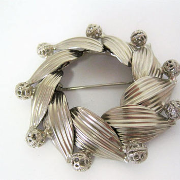 Hobe Brooch, Wreath Brooch,  Silver Tone, Mid Century Pin