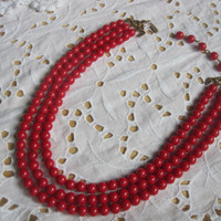 Red triple strand necklace beaded jewelry vintage lipstick red pearl necklace mad men style
