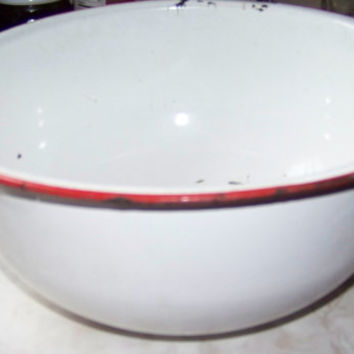 Vintage White Enamelware Bowl with Red Trim...Country Living...Farmhouse...French Country...Serving...Basin...Cottage Chic...Primitive...