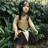 Warrior girl costume stretch of golden woven fabric
