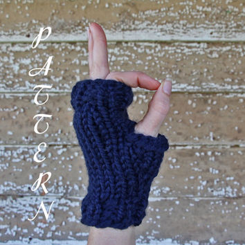 Short Ribbed Fingerless Gloves Knitting Pattern - Thick and Chunky - Instant Download PDF - Wrist Warmers
