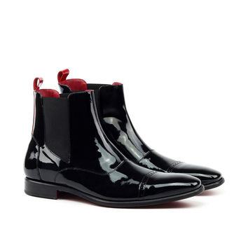 LEATHER BLACK PATENT CHELSEA BOOT