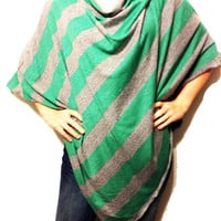 Emerald Green and Gray Nursing Cover For New Moms// Nursing Poncho for Full Coverage while Breastfeeding in Public