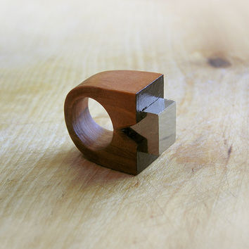Gemstone geometric wooden Ring with Pyrite, coctail statement ring, faceted gemstone wooden jewelry, geometric minimalist, brown and black