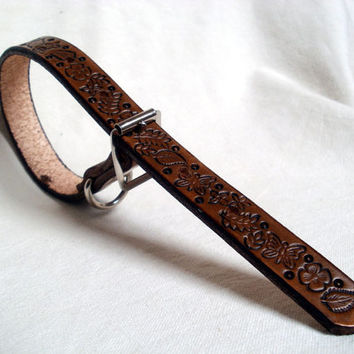 "Tooled leather dog collar, 3/4"" wide, in brown, tan or mahogany, floral design with butterflies and leaves"