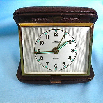 Vintage ARTCO Travel Alarm Clock