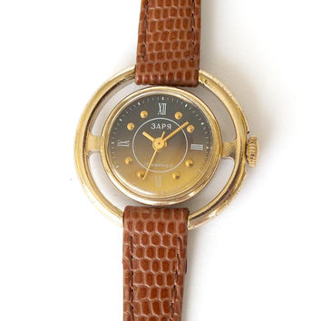 Rare womens watch Dawn 17 Jewels. Gold plated retro women's wrist watch. Genuine leather watch strap Vintage ladies steering wheel watch 70s
