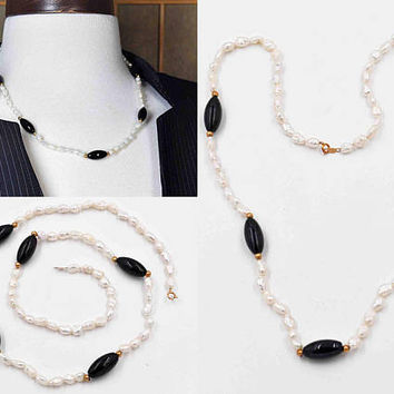 Vintage 14K Yellow Gold, White Pearl & Black Onyx Necklace, Freshwater Pearl, Baroque Pearl, Gold Bead, Classic Beauty! #c221