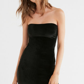 Motel Auste Velvet Strapless Dress | Urban Outfitters