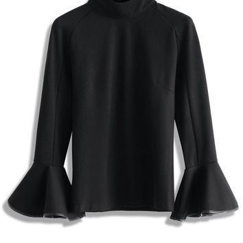 Cheer Flare Sleeves Top in Black