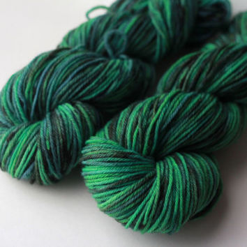 Worsted Weight Hand-Dyed Wool Yarn - 220 Yards / 100g