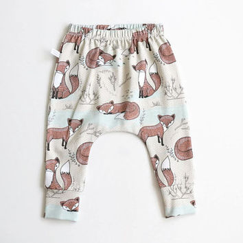 Baby infant harem pants with cute foxes. Organic jersey knit. Slim fit harem pants with cuffs. GOTS fabric.  Infant pants