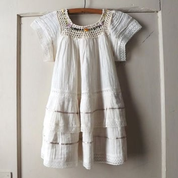 Vintage 1970s Childs Mexican Folk Dress White Cotton Crochet Lace Dress Girls Summer Folk Hippie Peasant Festival Dress Rustic Flower Girl