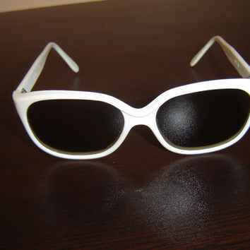 Vintage Retro Eyeglasses, Vintage Eyeglass from 1970s, Retro style, Antiques white Sunglasses