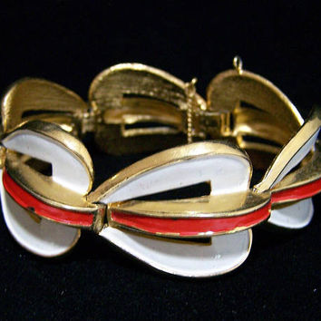 Crown Trifari White Red Bracelet Enamel Gold Tone Setting, Modernist Style, Mid Century Vintage Jewelry, Costume Jewellery 817