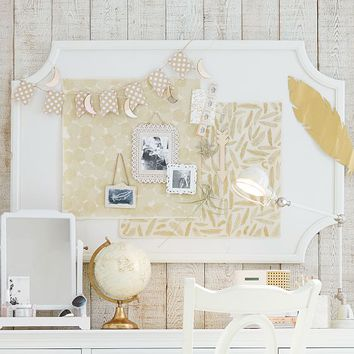 Scallop Statement Pinboard