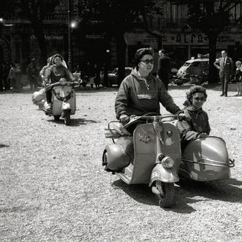 Vespa Scooter with Sidecar Reproduction Photograph 8x10 inch