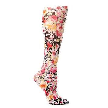 Lightweight Patterned Compression Socks in Raspberry Hill
