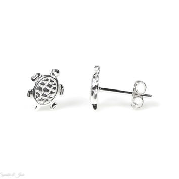Small 925 Sterling Silver Turtle Stud Earrings