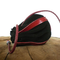 leather pouch, Drawstring leather pouch, Coin Purse, jewelry pouch, black and red, Jewelry bag, Leather purse, keys pouch, Christmas gift