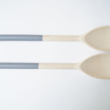 Rubber Dipped Wooden Salad Scoops