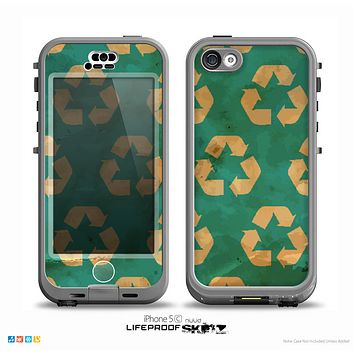 The Green and Yellow RECYCLE Pattern V2 Skin for the iPhone 5c nüüd LifeProof Case