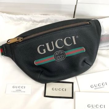 Gucci Fashion Male and Female Letter Printing Hot Selling Luggage Zipper Straddle Bag Black