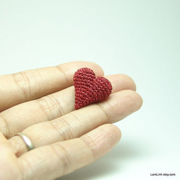 tiny crochet heart - dollhouse decor amigurumi