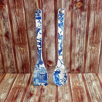 Wooden spoons, handmade set, white blue porcelain pattern, decorative spatula, home kitchen decor, small gift for her, new home hostess idea