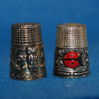 Vintage Lot Of 2 Pot Metal Thimbles With Animal Motifs One With Lady Bug One With Owl Both 1950s