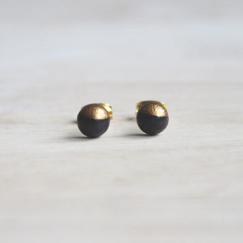 dainty wooden stud earrings dark brown gold bronze dipped // wood post earring studs - 6 mm // everyday jewelry, eco-friendly