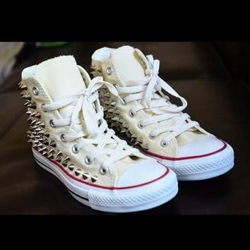 Spike stud hand customised converse