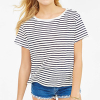 BDG Riley Classic Crewneck Tee - Urban Outfitters