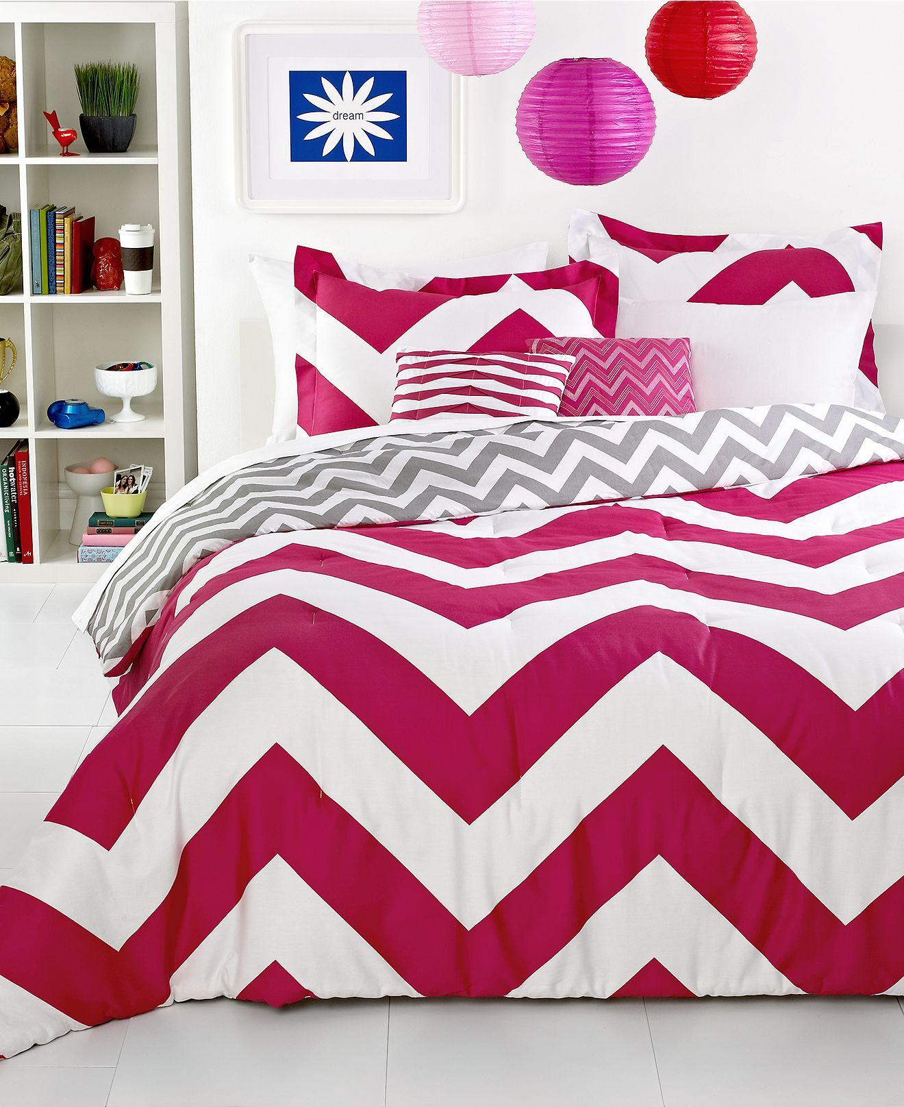 chevron pink 5 piece comforter sets from macys room. Black Bedroom Furniture Sets. Home Design Ideas