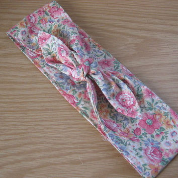 Rockabilly self tie headband, tie up head scarf, 50's floral hair scarf, gift idea for her, womens hair band, hair bandana, spring fashion