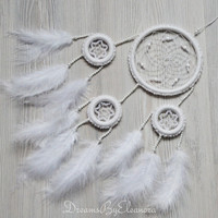 White Dream Catcher Dreamcatcher with Coral gemstone beads, Snow White Dreamcatcher, Nursery Decor