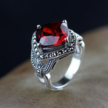 Gorgeous Garnet Silver Ring